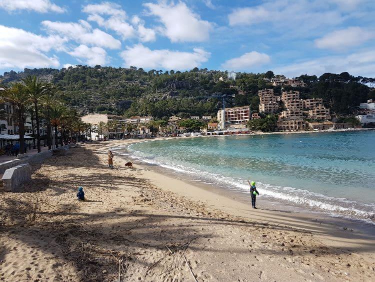 playa puerto soller