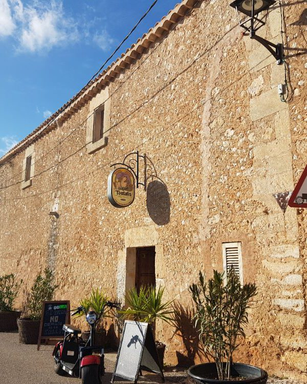 fachada cerveceria artesanal Toutatis