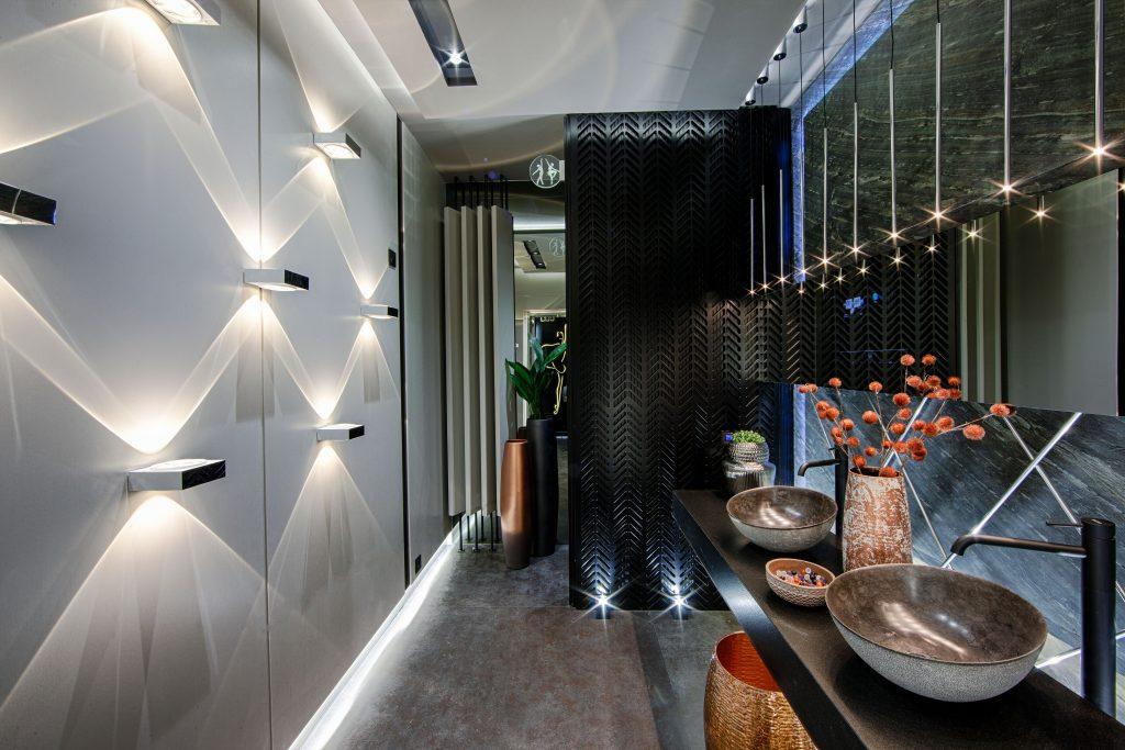 aseos-cynthia-roman-casa-decor-2019-iluminacion