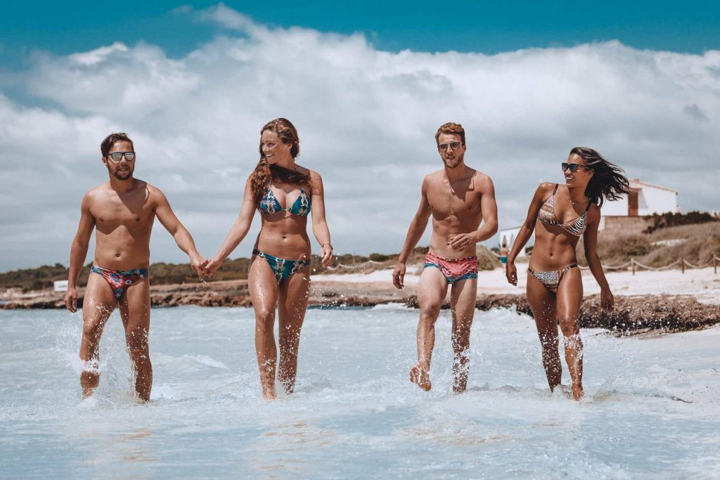 fishkiss playa hombre mujer
