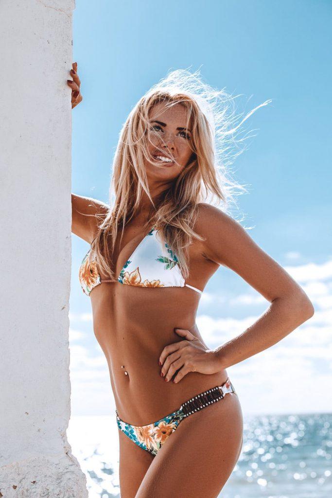fishkiss posando bikini chica