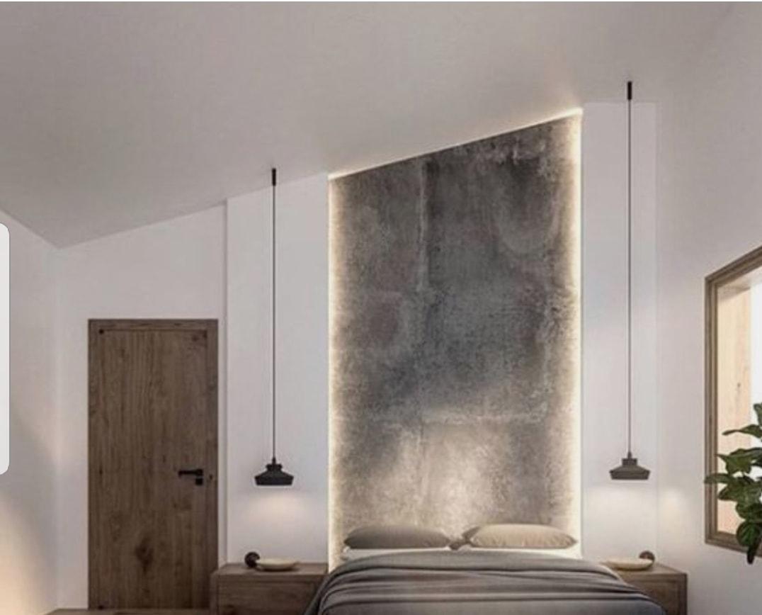 dormitorio wabi sabe con luz indirecta